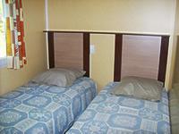 chambre 2 lits du mobil-home 6 personnes